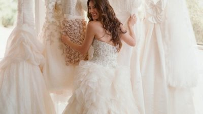 Choosing the Perfect Wedding Dress