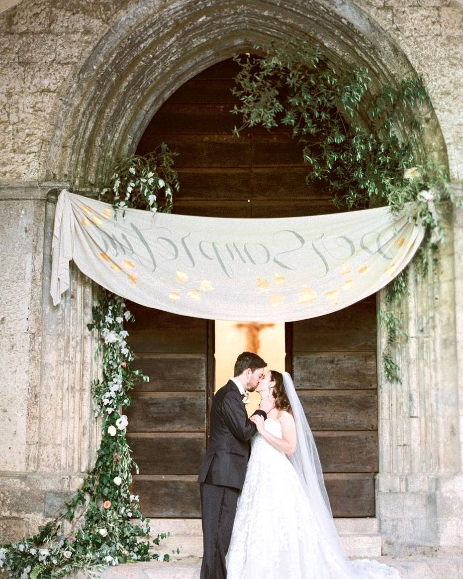 cloth wedding signage with bride and groom