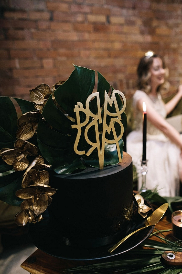 Emerald Art Deco Wedding Inspiration | Ode Studios