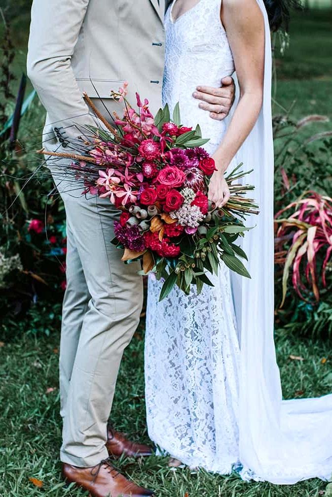 Bohemian berry wedding bouquet | Camilla Kirk Photography