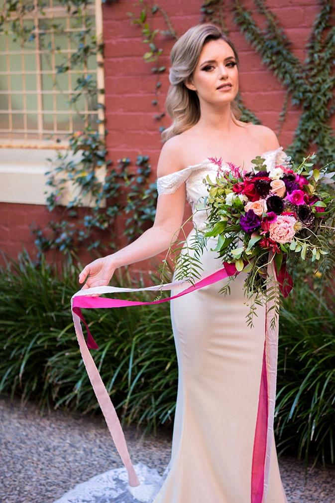 Romantic jewel toned wedding bouquet | Lola Images
