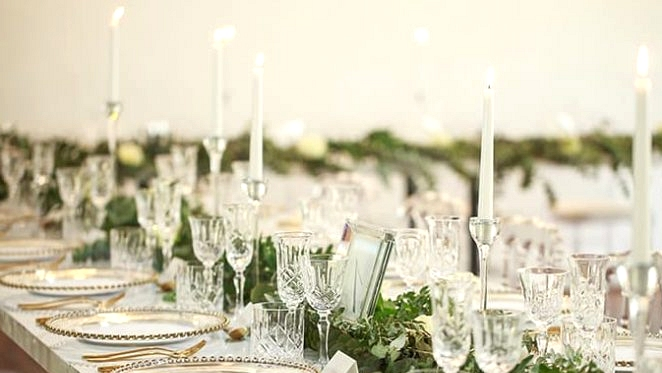 Classic Glam Marriage ceremony Inspiration Gilded in Gold