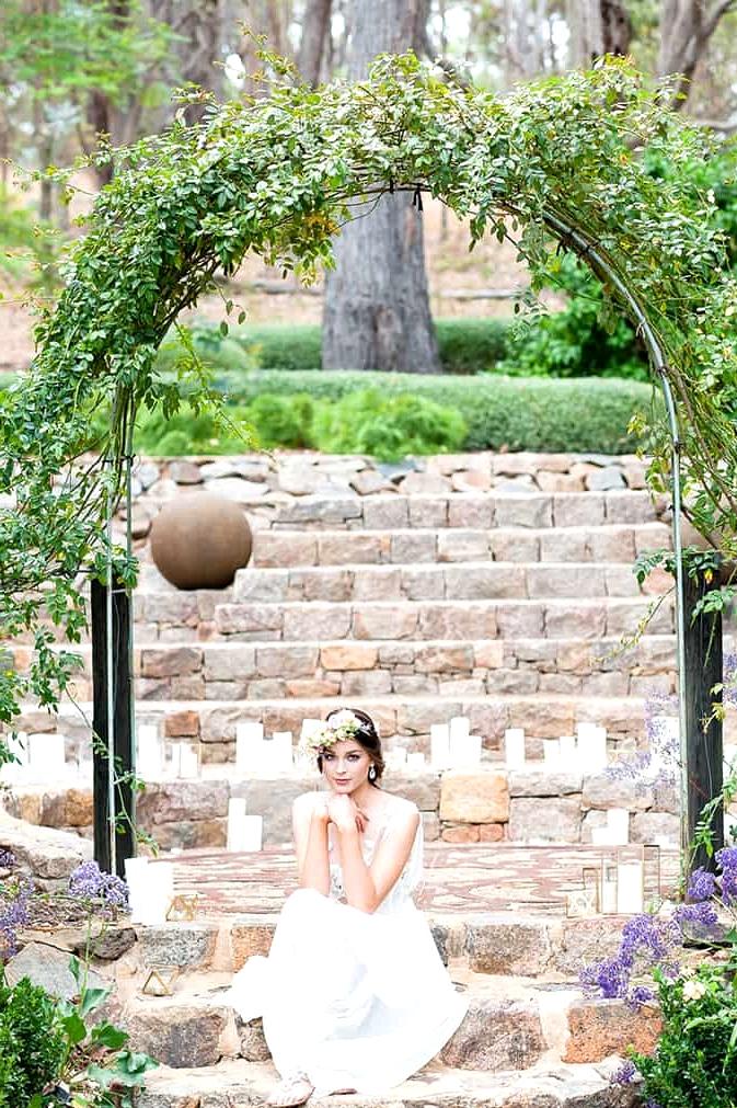 Watercolour-Garden-Wedding-Inspiration-Ceremony-Bride-2