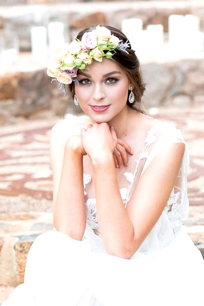 Watercolour-Garden-Wedding-Inspiration-Ceremony-Bride