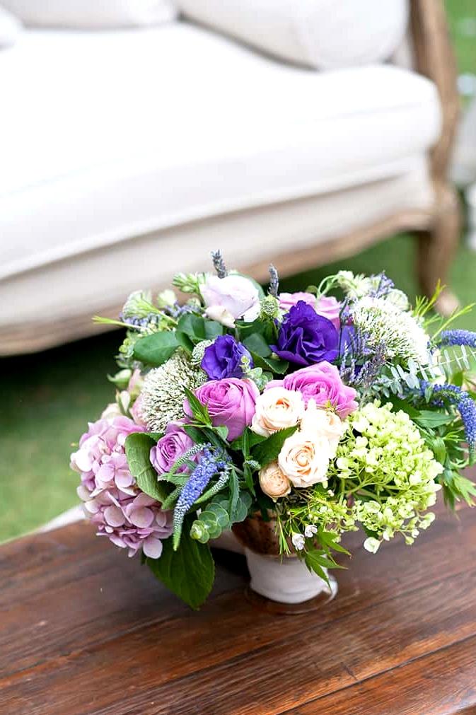 Watercolour-Garden-Wedding-Inspiration-Lounge-Flower-Arrangement