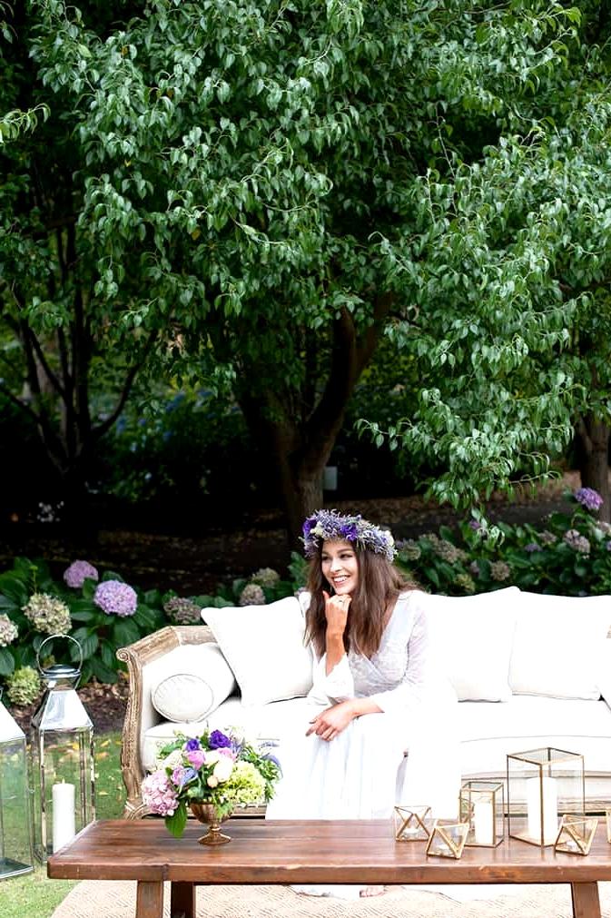 Watercolour-Garden-Wedding-Inspiration-Bride-Lounge-3