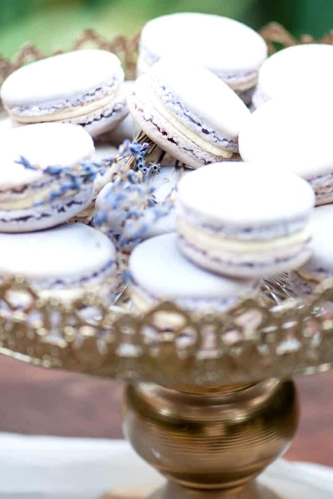 Watercolour-Garden-Wedding-Inspiration-Lavender-Macarons