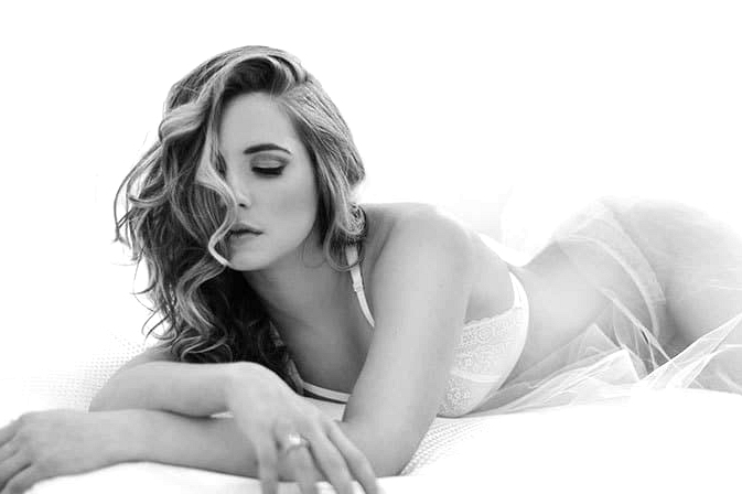 Elegant-Bridal-Boudoir-Inspiration-Black-White-1