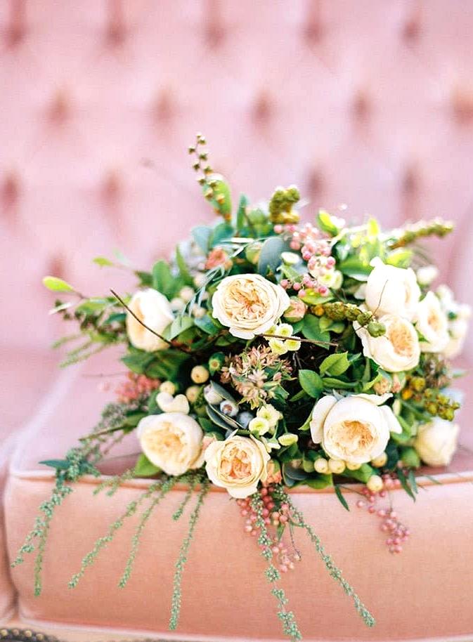 Natural-Bohemian-Wedding-Inspiration-Pink-Vintage-Lounge-Rose-Bride-Bouquet
