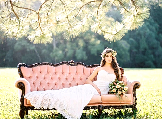 Natural-Bohemian-Wedding-Inspiration-Pink-Vintage-Lounge-Strapless-Lace-Dress-Bouquet-2