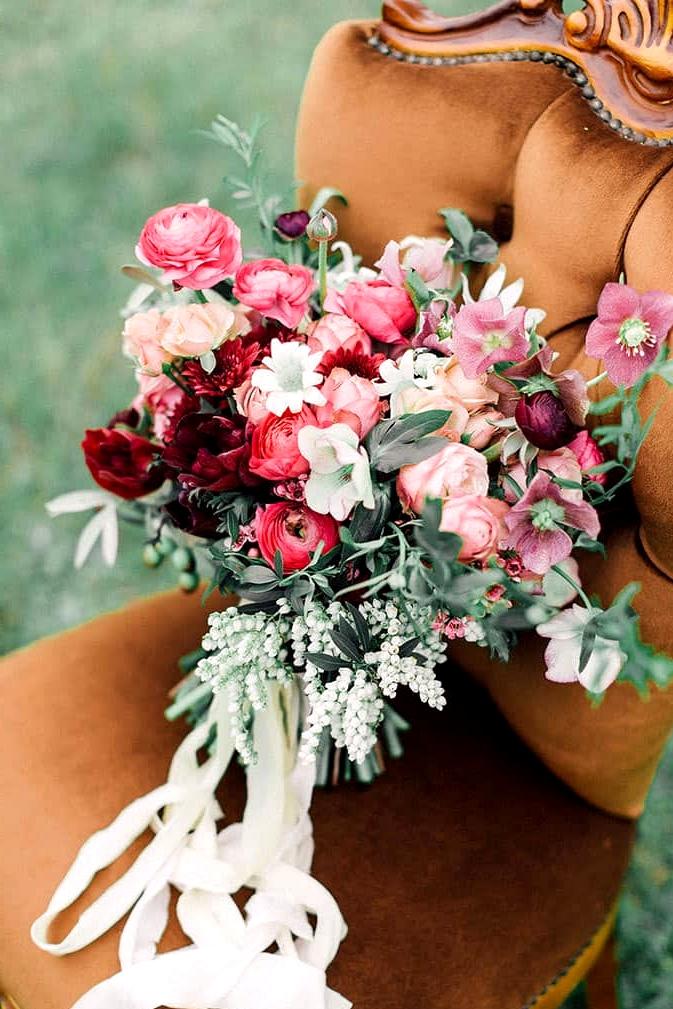 Romantic-Bohemian-Wedding-Inspiration-Pink-Red-Flower-Bouquet