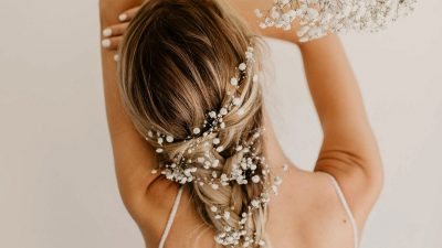 The Prettiest Marriage ceremony Hairstyles with Flowers