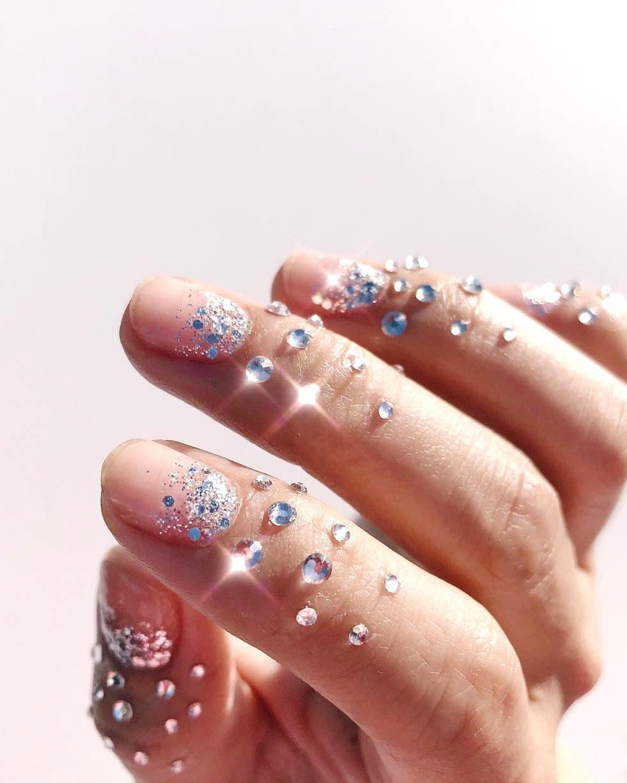 jewel manicure
