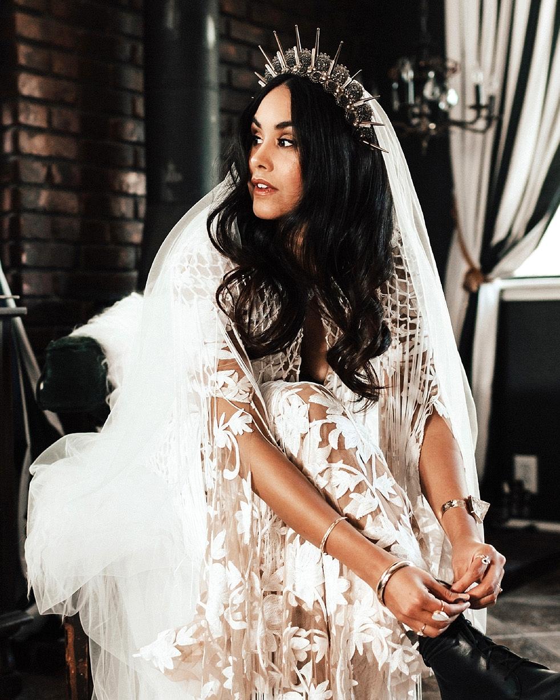 amaroq crown for the bride