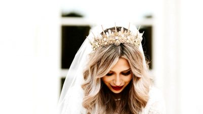 Prime it Off! The Bridal Headpiece Tendencies We're Loving and Put on Them