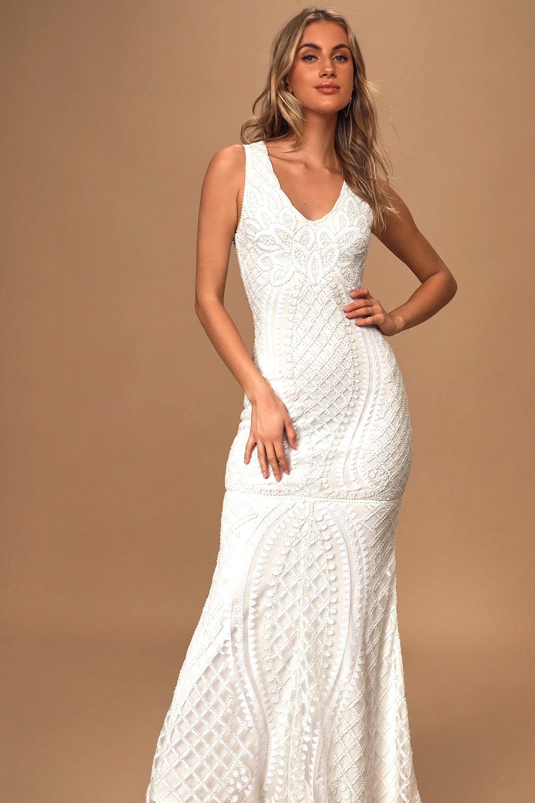 lulus wedding dress for a beach wedding