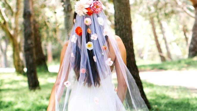 Make Your Personal Customized Silk Flower Veil!