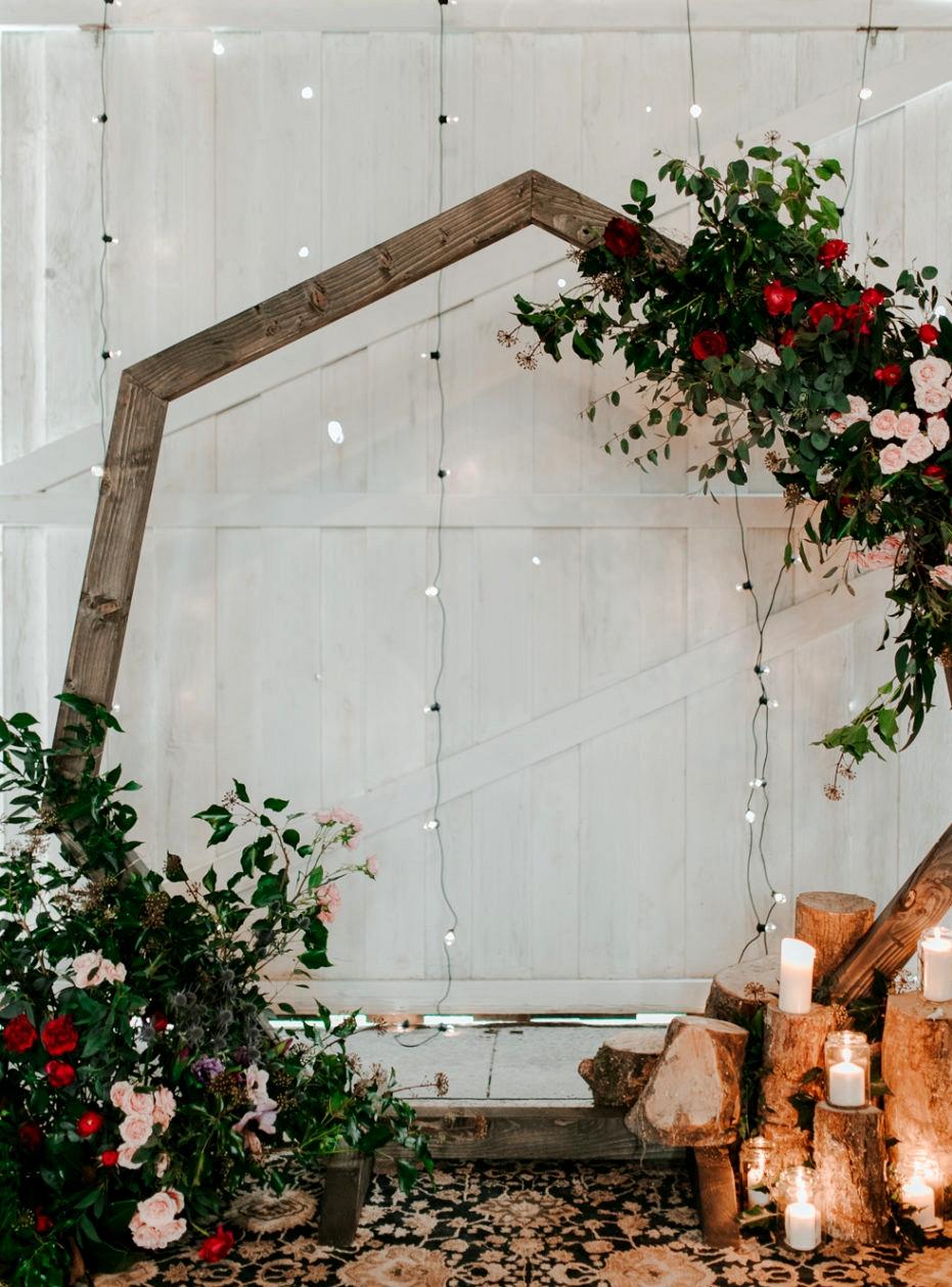 Wedding Ceremony Backdrops - Rustic Floral