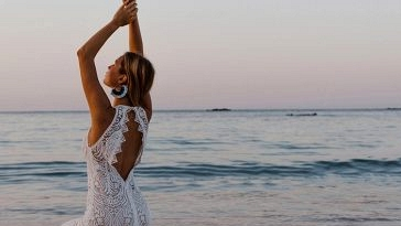 Surf + Sand: 14 Marriage ceremony Clothes for Your Laid-Again Seaside Marriage ceremony
