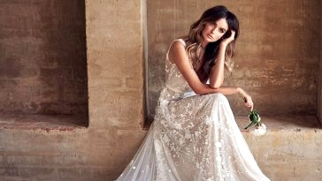 "Anna Campbell's Newest ""Wanderlust"" Assortment is the Trendy Bohemian Bride"