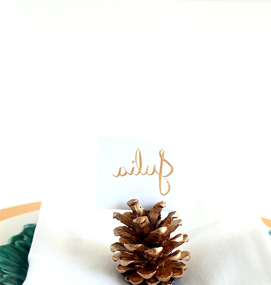 Simple Winter Wedding DIY Projects // Pinecone Place Card Holders //