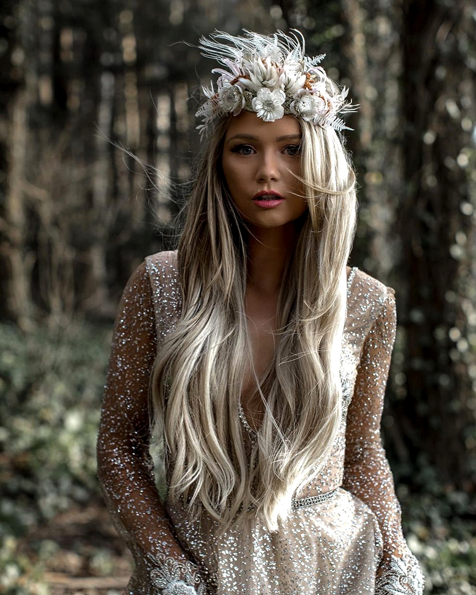 bride with dried flowers hair