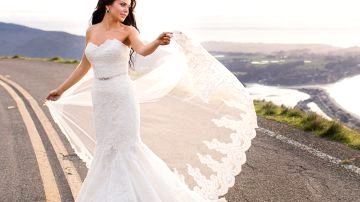 Discover the costume of your desires (extra affordably!) with PreOwnedWeddingDresses.com