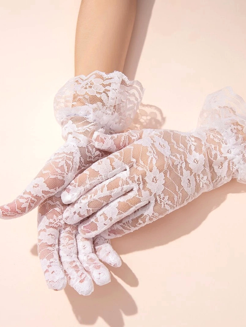Short Lace Gloves inspired by Bridgerton